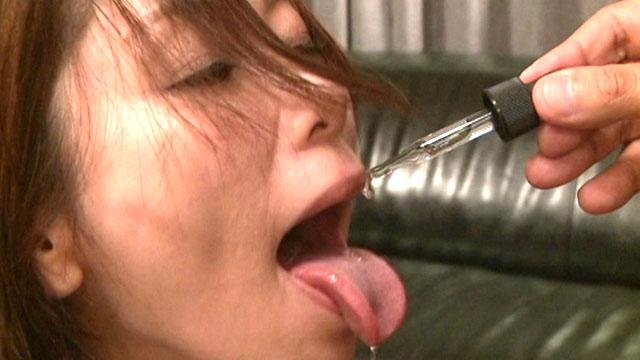 【キメセク】「チンコぉ❤」媚薬ガンギマリ!呂律回らずイキ狂い 翔田千里