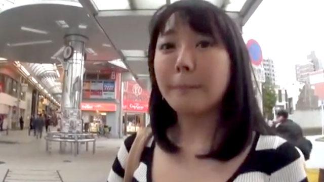 【羽生ありさ】ロリ妻さん、イケメンにナンパされメス顔で浮気セックスしてしまう