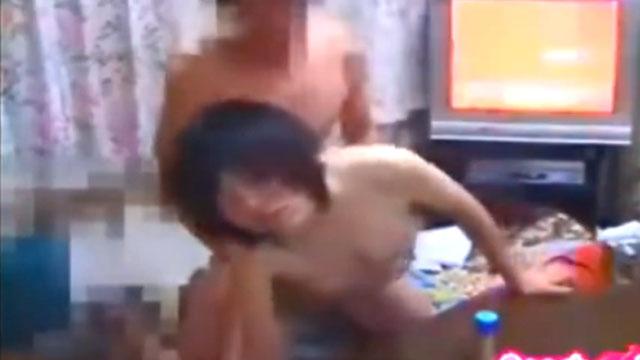 夫婦のセックス!生活感のある自宅で撮影したリアル映像!