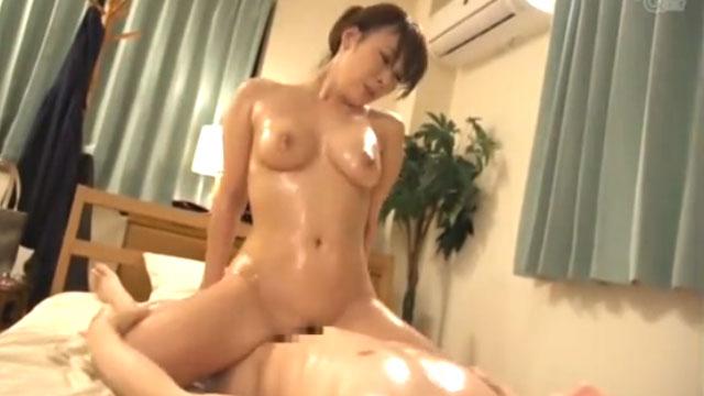 【北川礼子】人妻デリヘル、うっかり誘導され本番セックスで中出しされるw