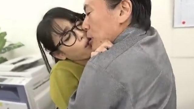 【西野翔】新婚OL、上司のセクハラレイプまがいの強制セックスに堕ちる