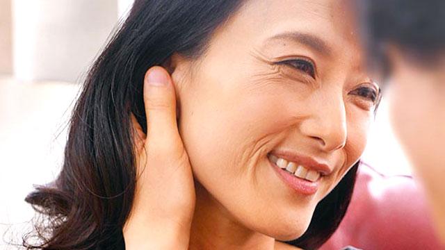 【初撮り人妻】44歳熟女のオマンコと口内に濃厚ザーメンを大量射精!
