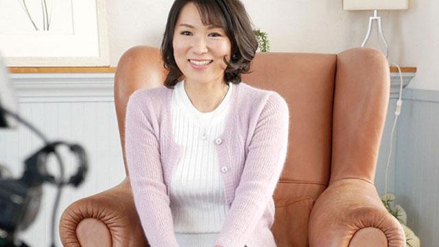 【初撮り人妻】夫のおざなりなセックスに憤り目覚めた浮気心 会田柚希