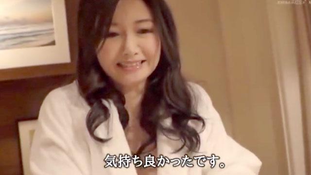 【三浦歩美】ぎもぢぃーっ!美人妻が5年ぶり生中出しセックスで絶叫アクメ!