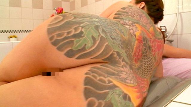 和彫り刺青な熟風俗嬢の金玉が空になりそうなサービスww 恋乃ぼたん