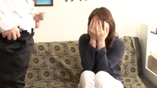【人妻ナンパ盗撮】「えぇ!?大きい❤」夫を遥かに超える若いデカチンに発情中出しアクメ!