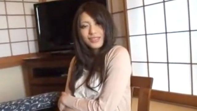 【桜井あゆ】美人若妻、おじさんに寝取られる
