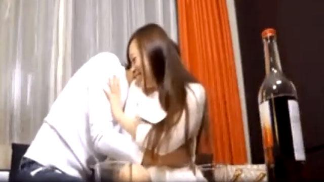 【無許可中出し】ロリ妻、イケメンにナンパされ初めて不倫セックスする姿を撮られるww