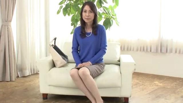 【楓美知子】五十路スレンダー美熟女、AVデビューで10年のセックスレスから開放される