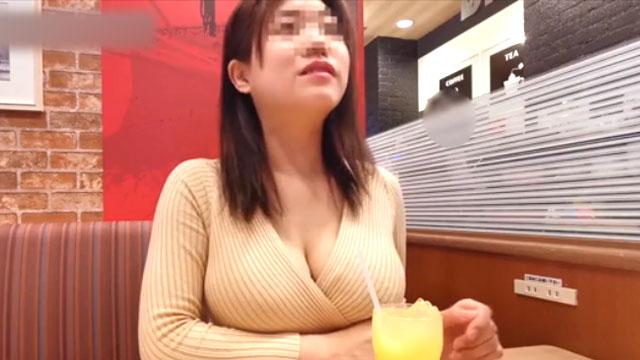 爆乳人妻YouTuber、ハメ撮りされてしまうwwwww