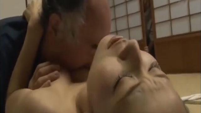 【悲報】嫁が義父とセックスしてる事実に夫ブチギレで修羅場 北川エリカ