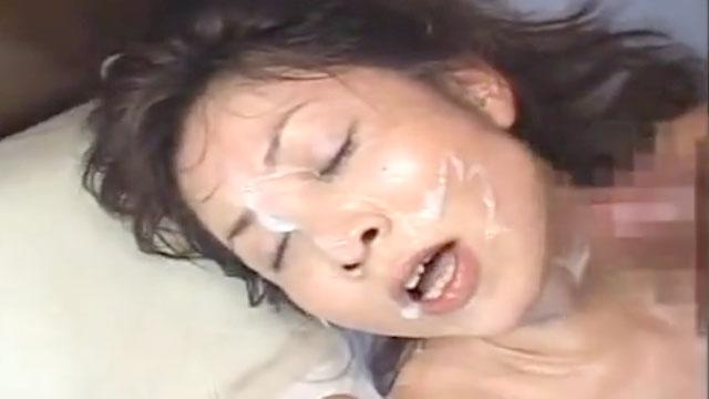 「うっ!射精る!」還暦美熟女に濃厚ザーメンぶっかけ9連発www