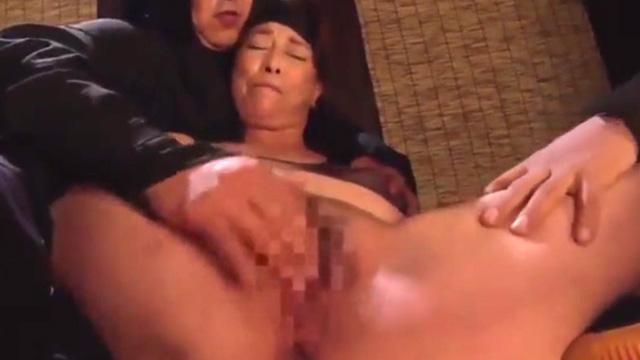 【悲報】熟女くノ一、媚薬を飲まされチンコに完全敗北 青井マリ