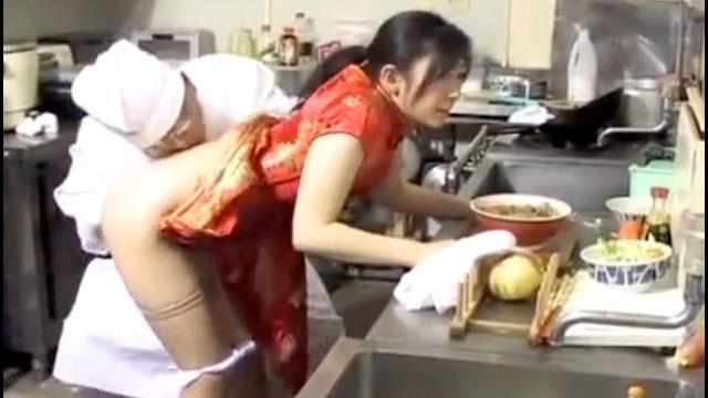 【小池絵美子】借金妻、パート中にいつでも肉便器に出来る権利を売る