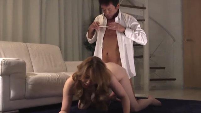 旦那の上司に脅されスマホ撮影されながら事実上不倫セックスを繰り返す 風間ゆみ