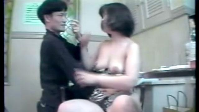 素人五十路おばさんの貪欲不倫セックス映像が生々しすぎるww