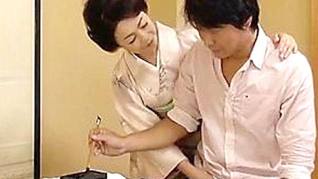 ドスケベ書道家マダム、生徒の童貞チンポを筆おろしww 藍川京子
