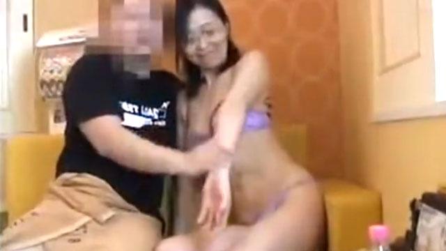 【個人撮影】「んあぁイグッ❤」五十路熟女が間男にイカされまくり!