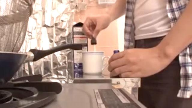 【キメセク】嫁のコーヒーに媚薬を仕込んだら効果が絶大だった!朝桐光