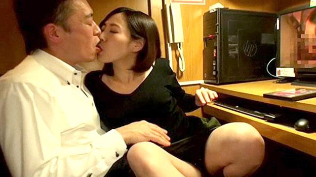 ベロキス大好きなビッチ妻が不倫セックスにガチ溺れ!谷原希美