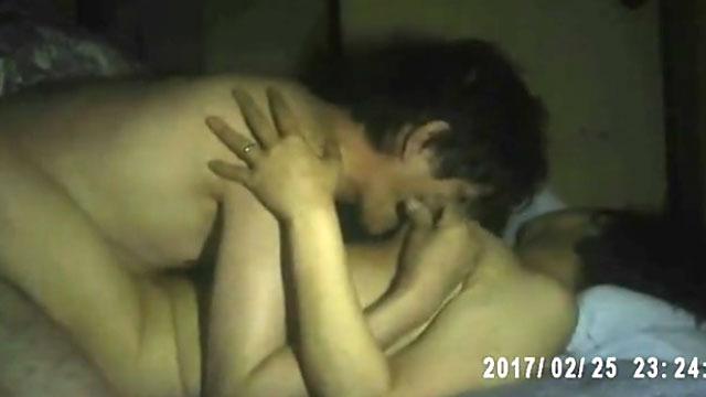 【個人撮影】五十路夫婦のプライベートセックス映像が生々し過ぎるwww