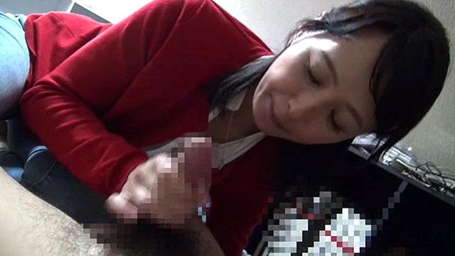 五十路美熟女、30歳も年下の童貞チンポを筆おろしセックスしてしまうw 安野由美