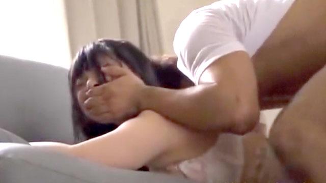 【アナルレイプ】若妻「痛いぃ゛ーっ!」ケツ穴にチンポねじ込まれ阿鼻叫喚の中...