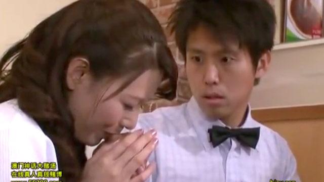 【三浦恵理子】パートおばさん、年下バイト君を刺激しすぎてレイプされるww