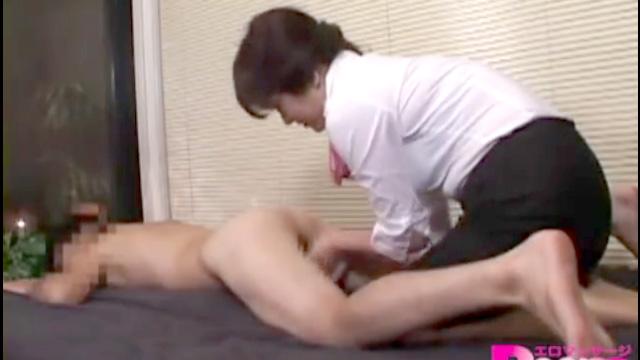 熟女性感マッサージ師さん、逆に揉まれて本番セックスでマジイキアクメww