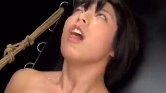 「ぎゃあぁ!イクイグイグッ!あへぇ❤」マトリの女が快楽拷問責めで廃人寸前!