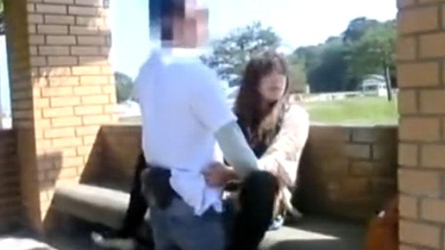 【野外不倫セックス】真っ昼間の公園で間男とパコるスキモノ尻軽妻!