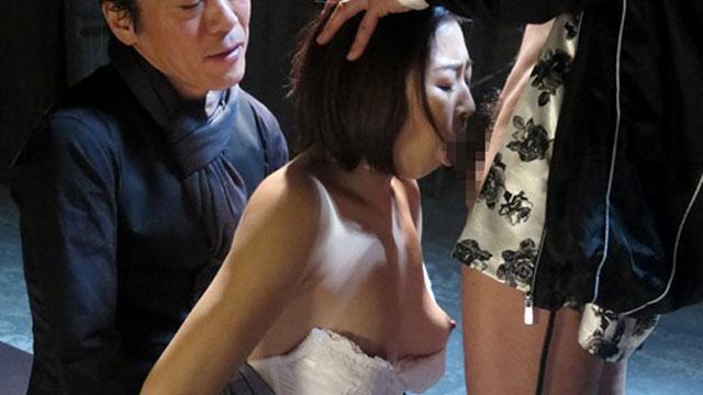 熟女監禁レイプ、薄暗い地下で中出しされる絶望感…! 小松千春