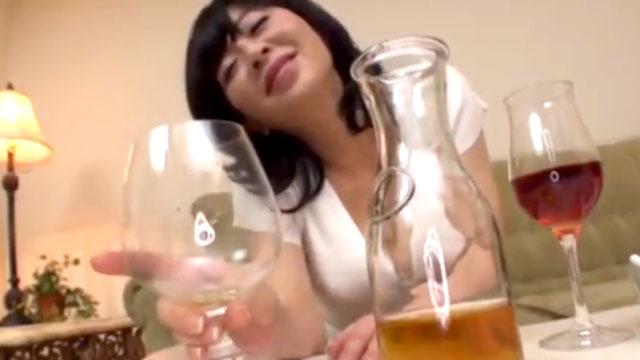 酔っぱらい母ちゃんがドスケベ過ぎて手がつけられない近親相姦ww 寺島千鶴