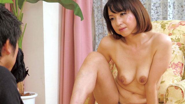 セックスカウンセラーのおばさん、ただのビッチだった 神崎久美