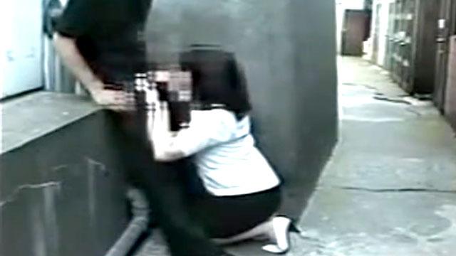【個人撮影】ガチ変態!野外でチンポおしゃぶり&公衆便所で中出しセックス!