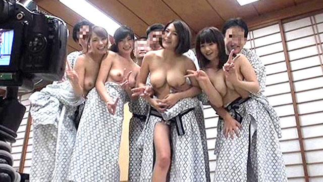 どの人妻でも中出しセックス当たり前のスワップ乱交温泉ツアーが開催されるwww