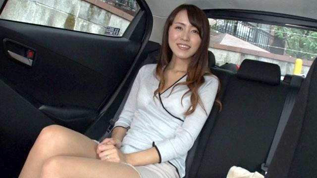 セレブ美人妻ナンパ、車内でイッてホテルで不倫堕ち
