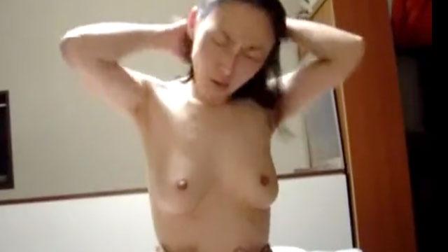 【個人撮影】リベンジポルノか!?嫌々セックスに応じる人妻映像!