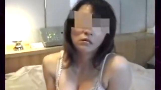 【個人撮影】ラブホテルで不倫セックスに溺れるふしだらな人妻!